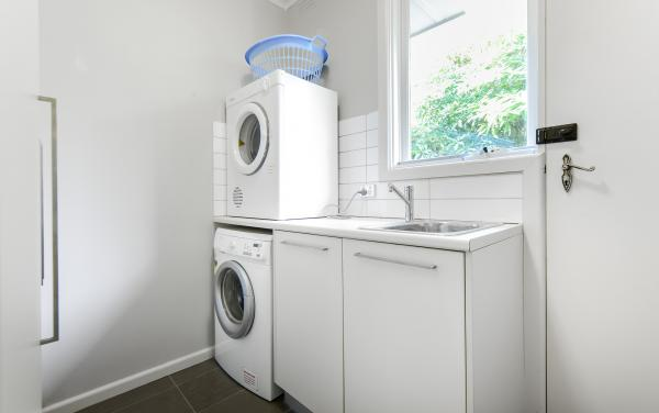 Sandy Side 3 - Sandringham - Laundry