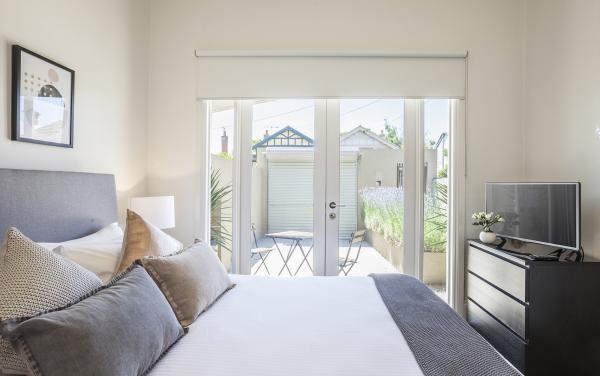 South Yarra Lane - South Yarra - Master Bedroom d