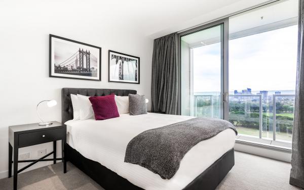 The Fawkner - Melbourne - Main Bedroom