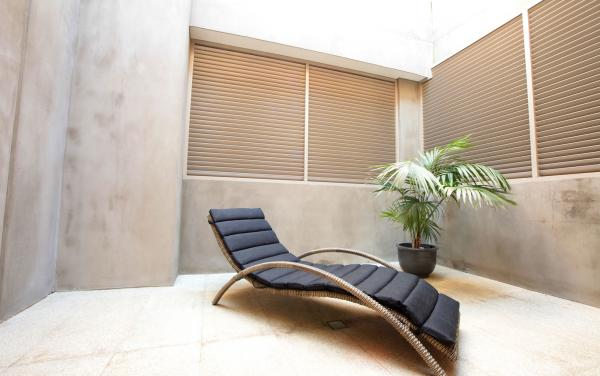 The Residence - Brighton - Outdoor Lounge Area 2