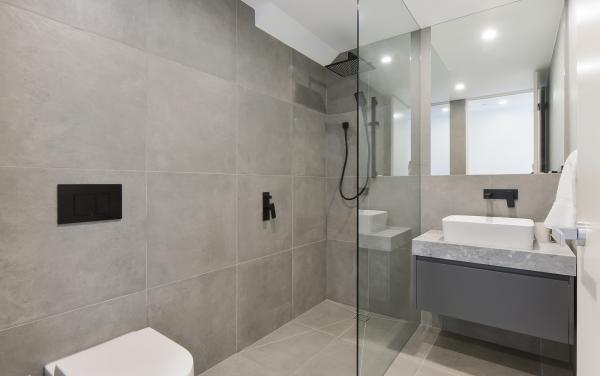Victoria Road - Hawthorn - Upstairs Central Bathroom