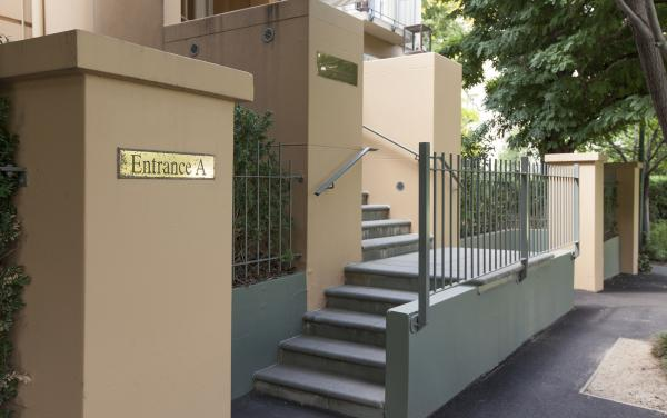 Wellington Mews - East Melbourne - Front of The House