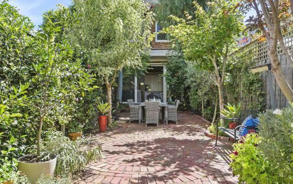 Zetland Terrace - South Melbourne -Courtyard b