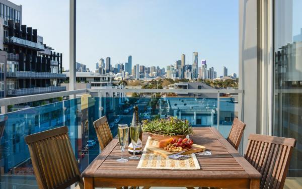 Zinc Views 501 - Port Melbourne - Balcony B