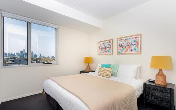Zinc Views 501 - Port Melbourne - Bedroom 1