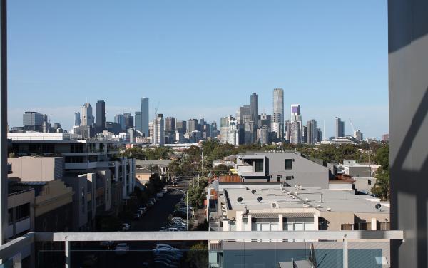Zinc Views 501 - Port Melbourne - Outdoor Balcony Skyline d